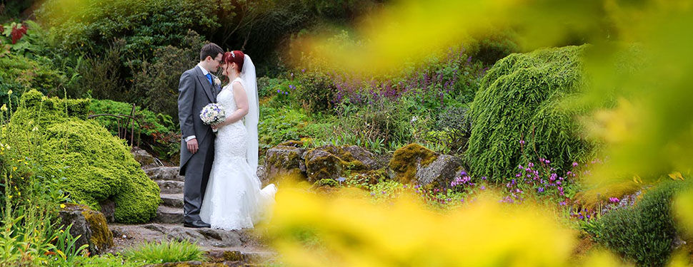 Trish and Rob's wedding photography at The Royal Botanic Gardens in Edinburgh
