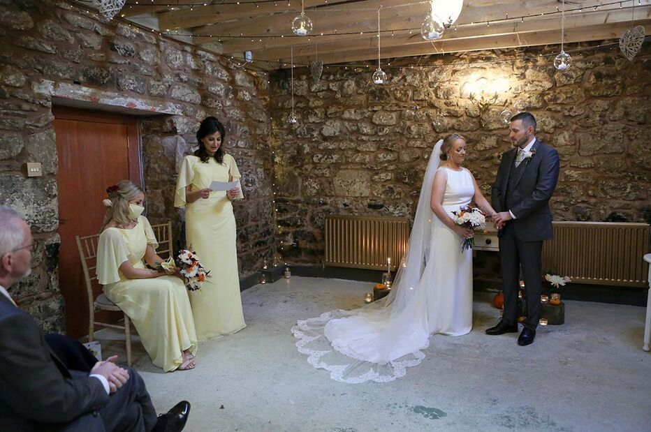 Lindsey and Nick's lucky wedding at Fruin Fruit Farm, Loch Lomond